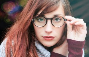 woman wearing eyeglass